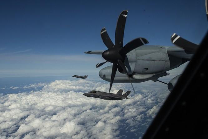 Biển Đông: Mỹ thực hiện diễn tập tiếp dầu 3 máy bay F-35B ảnh 2