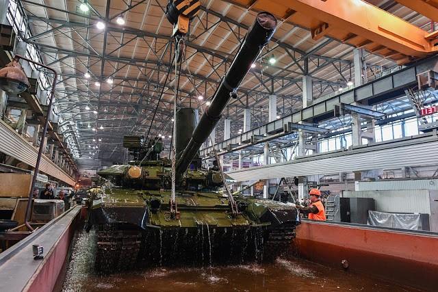 Những chiếc tăng T-90S Việt Nam đã xuất hiện trên thao trường Nga ảnh 11