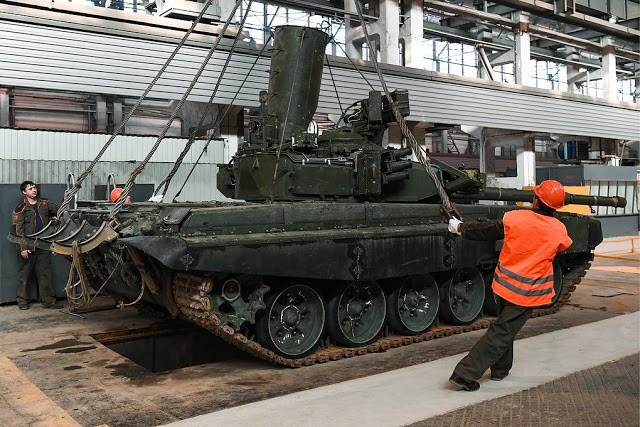 Những chiếc tăng T-90S Việt Nam đã xuất hiện trên thao trường Nga ảnh 12