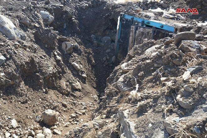 Syria phát hiện hàng trăm mìn chống tăng của khủng bố ở Quneitra ảnh 2