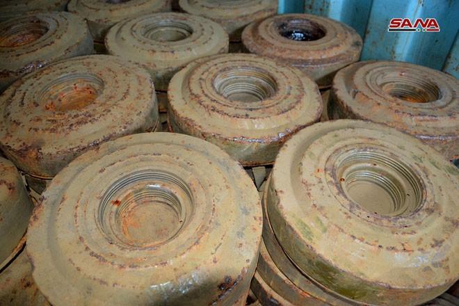 Syria phát hiện hàng trăm mìn chống tăng của khủng bố ở Quneitra ảnh 5