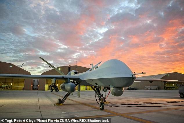 Trung Quốc quảng bá UAV sát thủ CH-5 trang bị tên lửa không đối đất ảnh 5