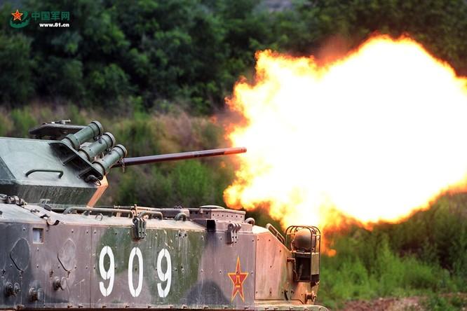 """Trung Quốc trưng bày xe thiết giáp """"nhái"""" của Nga ảnh 4"""
