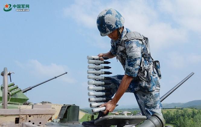 """Trung Quốc trưng bày xe thiết giáp """"nhái"""" của Nga ảnh 5"""