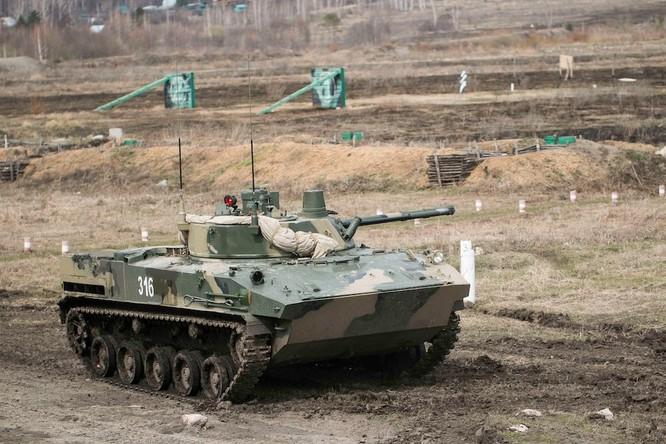 """Trung Quốc trưng bày xe thiết giáp """"nhái"""" của Nga ảnh 6"""