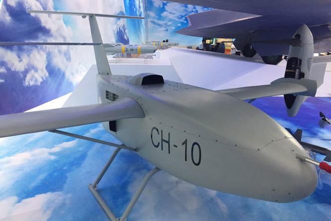 """Máy bay không người lái Trung Quốc """"nhái"""" RQ-170 Sentinel của Mỹ ở Chu Hải ảnh 1"""