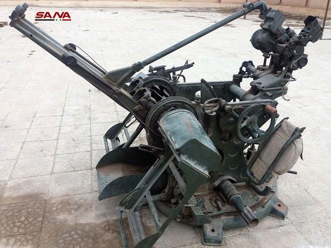 """Phát hiện kho vũ khí lớn của các nhóm """"nổi dậy"""" ở ngay Damascus ảnh 1"""