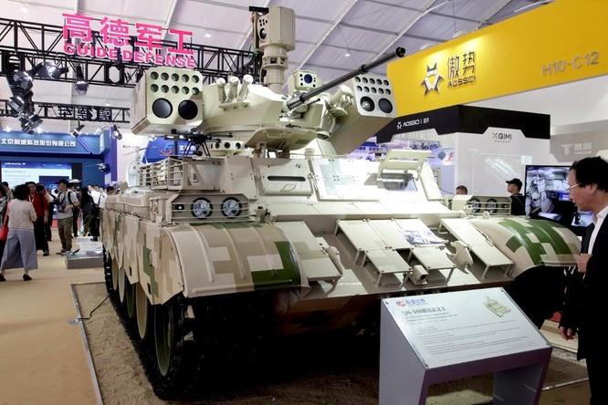"""Phương Tây chê xe yểm trợ Trung Quốc """"tua tủa"""" vũ khí ảnh 1"""
