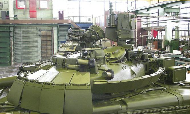 """Cỗ máy chiến tranh T-80 (Object 219M) và kì tích """"qua mặt"""" Abrams và Leopards ảnh 4"""