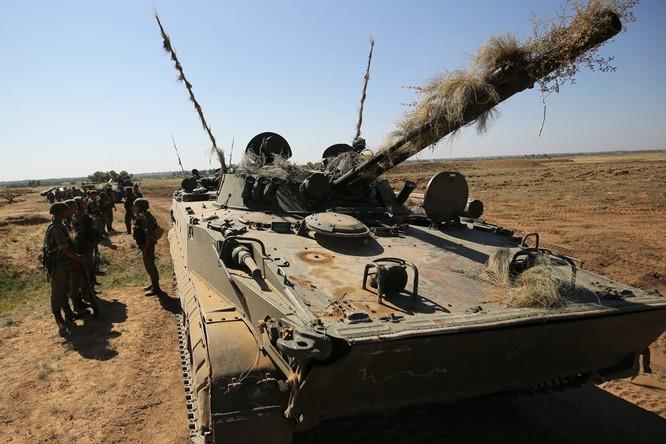 """BMP-3 và T-15 với """"Pumas"""", """"Bradley"""", so sánh những xe thiết giáp đỉnh cao quân sự ảnh 2"""