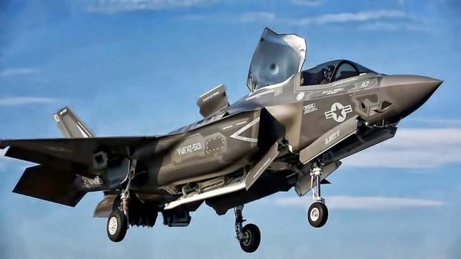 Nhật Bản quyết định mua F-35B cho tàu Izumo, đáp trả sự mở rộng của Trung Quốc trên biển ảnh 2