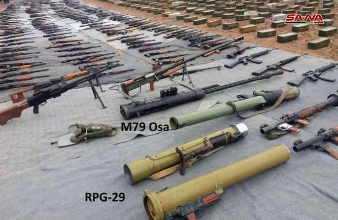 Quân đội Syria tiếp tục thu hoạch vũ khí ở al-Quneitra, tây Ghouta và núi lửa al-Safa ảnh 2