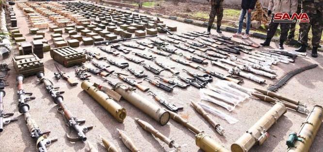 """Quân đội Syria phát hiện hàng chục đầu đạn tên lửa S-75 và S-125 của """"quân nổi dậy"""" ở Daraa ảnh 14"""
