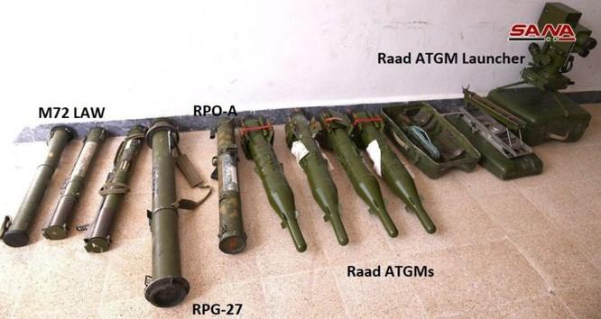 """Quân đội Syria phát hiện hàng chục đầu đạn tên lửa S-75 và S-125 của """"quân nổi dậy"""" ở Daraa ảnh 15"""