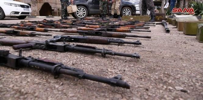 """Quân đội Syria phát hiện hàng chục đầu đạn tên lửa S-75 và S-125 của """"quân nổi dậy"""" ở Daraa ảnh 4"""