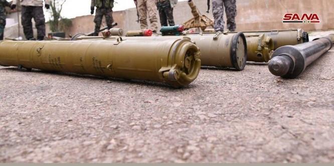 """Quân đội Syria phát hiện hàng chục đầu đạn tên lửa S-75 và S-125 của """"quân nổi dậy"""" ở Daraa ảnh 6"""