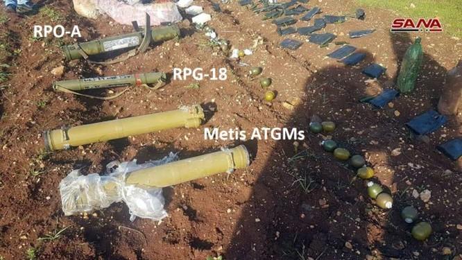 """Quân đội Syria phát hiện một kho vũ khí bí mật của """"quân nổi dậy"""" ở tỉnh Homs ảnh 2"""