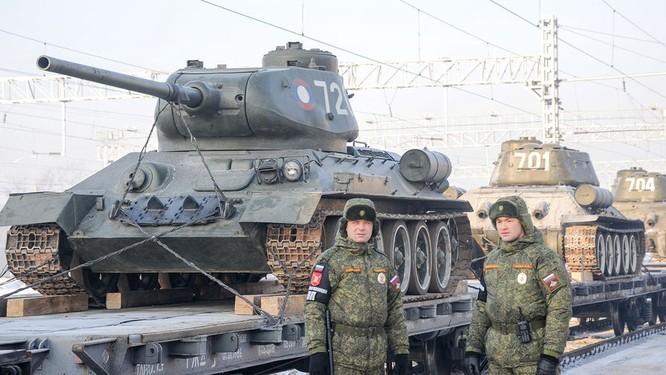 Dân Nga hân hoan đón chào xe tăng T-34 huyền thoại trở về từ Lào ảnh 8