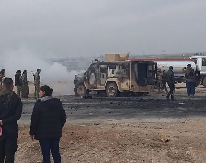 IS tấn công liên minh quân sự quốc tế, 2 binh sĩ Mỹ bị thương, 5 chiến binh người Kurd thiệt mạng ảnh 1