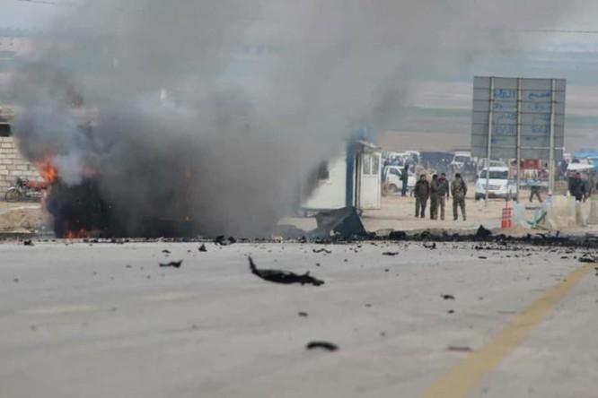 IS tấn công liên minh quân sự quốc tế, 2 binh sĩ Mỹ bị thương, 5 chiến binh người Kurd thiệt mạng ảnh 2