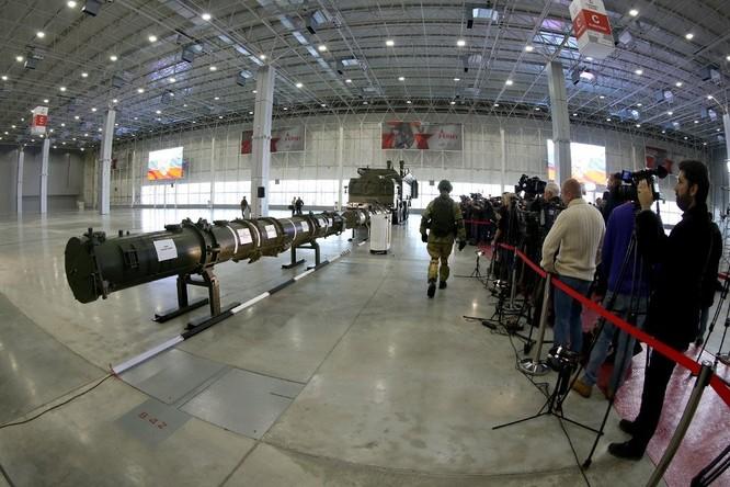 Bộ Quốc phòng Nga giới thiệu phiên bản Iskander mới với 4 tên lửa ảnh 1