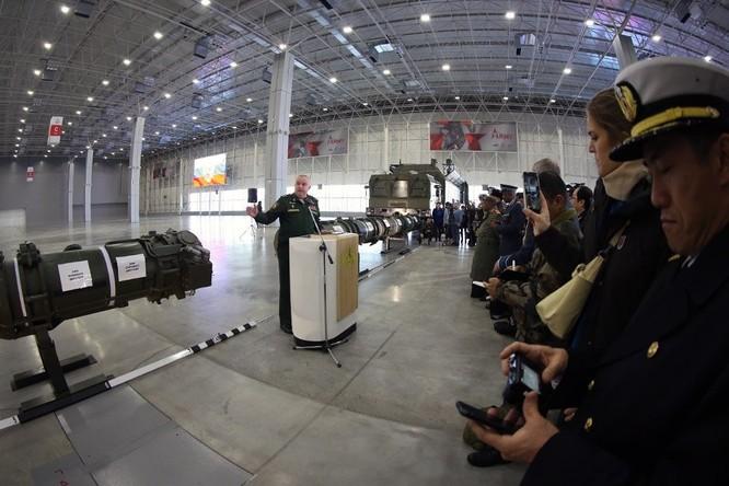Bộ Quốc phòng Nga giới thiệu phiên bản Iskander mới với 4 tên lửa ảnh 2
