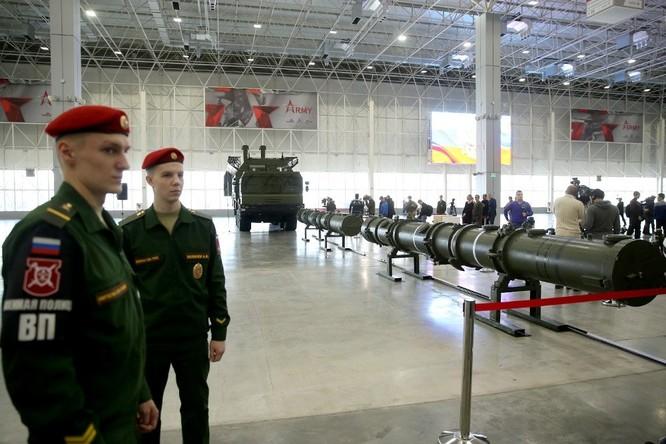 Bộ Quốc phòng Nga giới thiệu phiên bản Iskander mới với 4 tên lửa ảnh 3