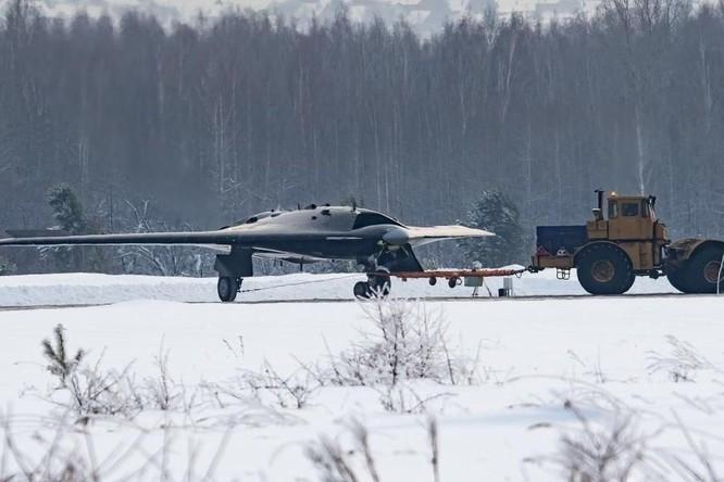 Máy bay không người lái Okhotnik gây khó khăn cho không quân Mỹ trong tương lai ảnh 4