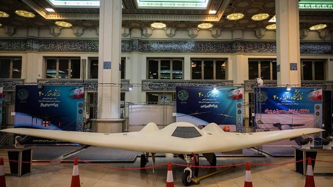 Iran giới thiệu các UAV bản sao chép từ các máy bay chiến lợi phẩm từ Mỹ ảnh 1