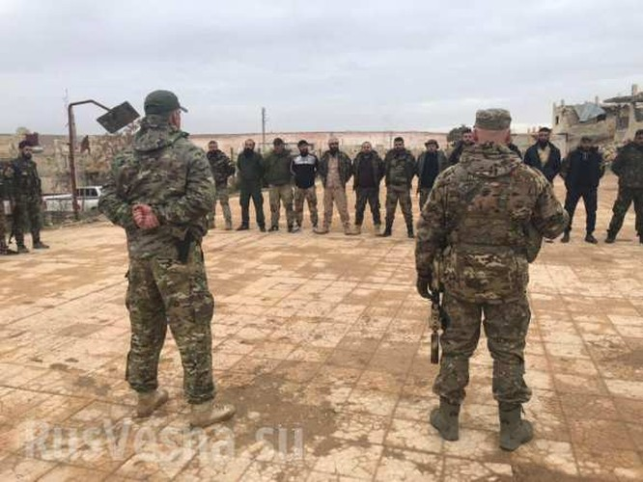 Lính đánh thuê Nga huấn luyện binh sĩ Syria ngay trên chiến trường chống khủng bố ảnh 1