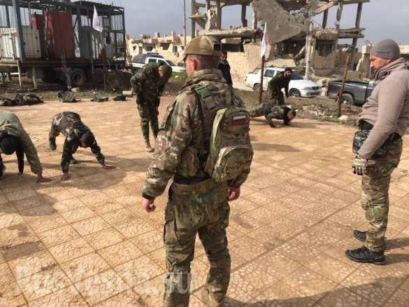 Lính đánh thuê Nga huấn luyện binh sĩ Syria ngay trên chiến trường chống khủng bố ảnh 6