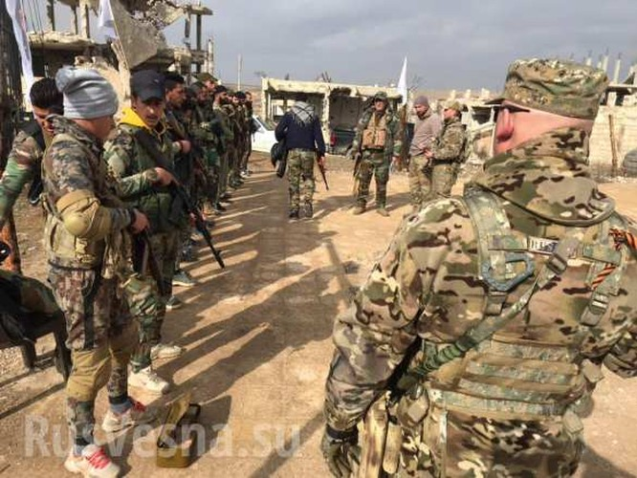 Lính đánh thuê Nga huấn luyện binh sĩ Syria ngay trên chiến trường chống khủng bố ảnh 7