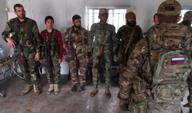 Công ty quân sự tư nhân Nga chính thức công khai huấn luyện cho quân tình nguyện Syria ảnh 1