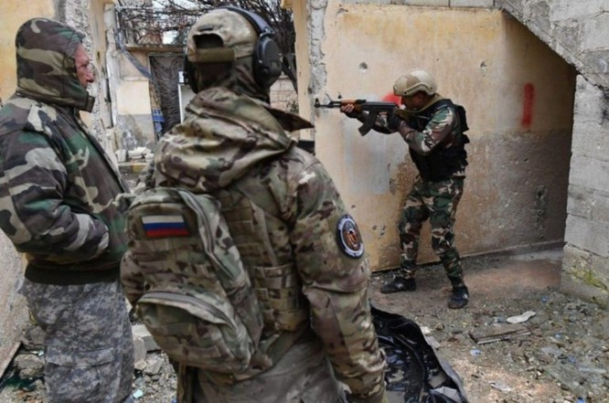 Công ty quân sự tư nhân Nga chính thức công khai huấn luyện cho quân tình nguyện Syria ảnh 4