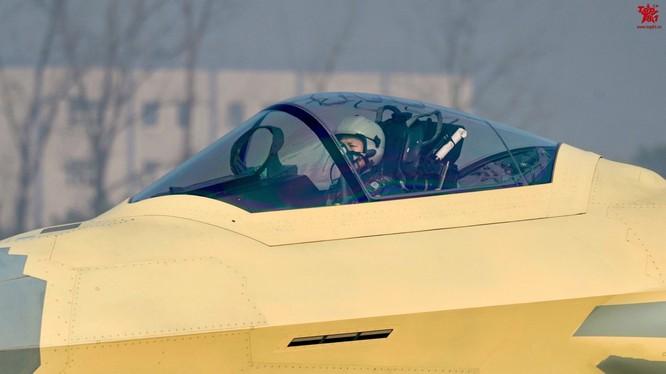 Trung Quốc áp dụng công nghệ F-35 Mỹ vào tiêm kích tàng hình J-20, chuẩn bị thống trị biển khơi ảnh 1
