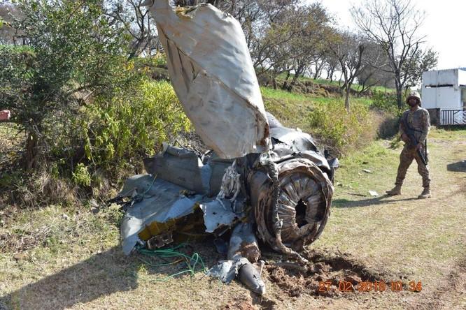 Máy bay Ấn Độ và Pakistan không chiến ở Kashmir, phi công người Ấn sẽ được thả ảnh 1