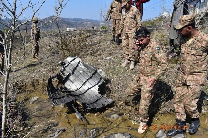 Máy bay Ấn Độ và Pakistan không chiến ở Kashmir, phi công người Ấn sẽ được thả ảnh 3