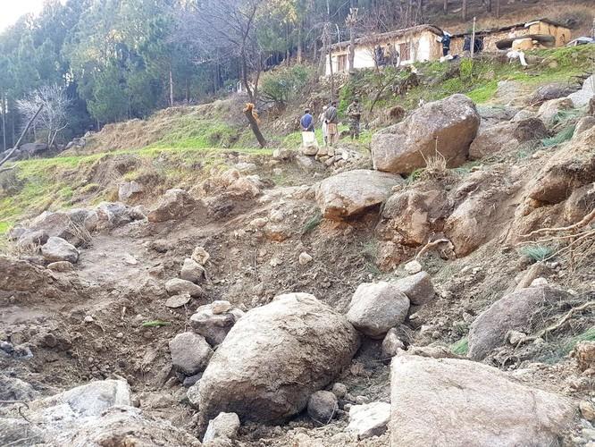 Bom điều khiển Israel của Ấn Độ bị sai lệch nghiêm trọng - Hoàn toàn trượt mục tiêu ảnh 5