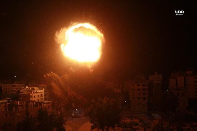 Tên lửa tấn công Tel Aviv, Israel đánh phá dữ dội Dải Gaza ảnh 10