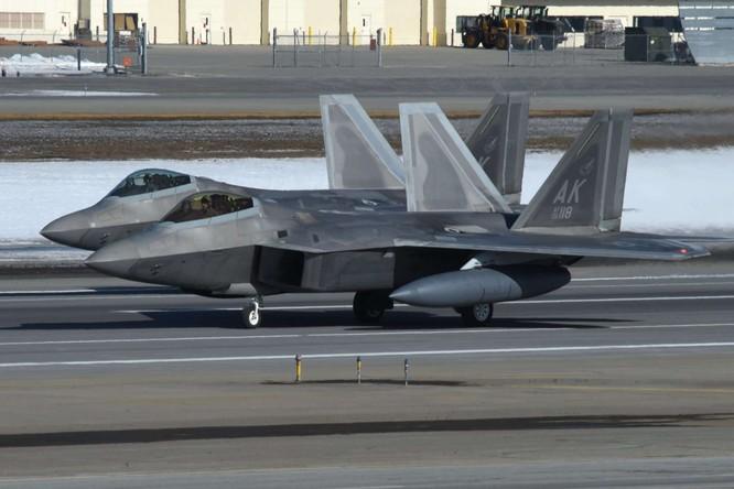 """F-22 Raptor Mỹ thực hiện cuộc diễn tập """"Voi đi bộ"""" quyết dành ưu thế với Nga ở Bắc Cực ảnh 4"""