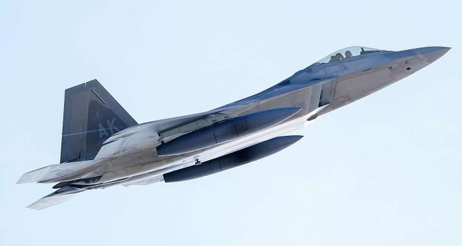 """F-22 Raptor Mỹ thực hiện cuộc diễn tập """"Voi đi bộ"""" quyết dành ưu thế với Nga ở Bắc Cực ảnh 11"""