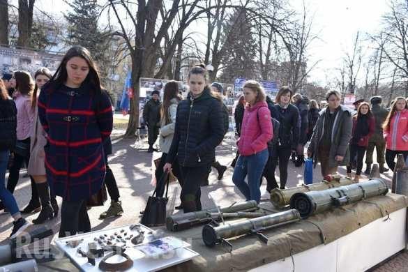 """""""Nước mắt Donbass"""" Lugansk và Donetsk tổ chức triển lãm chứng tích chiến tranh ảnh 7"""