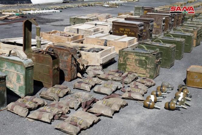 Syria lại thu hoạch một số lượng lớn vũ khí của khủng bố tại ngoại ô Damascus ảnh 3