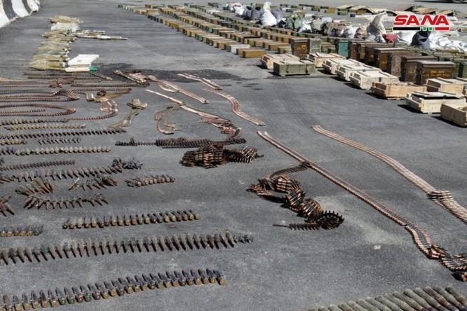 Syria lại thu hoạch một số lượng lớn vũ khí của khủng bố tại ngoại ô Damascus ảnh 6