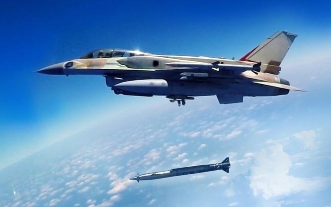Israel sử dụng tên lửa hành trình siêu âm tấn công quân đội Syria ảnh 1
