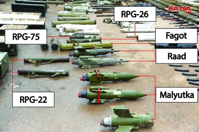 """Syria lại thu hoạch thêm nhiều vũ khí cất giấu của """"quân thánh chiến' ở Daraa ảnh 1"""