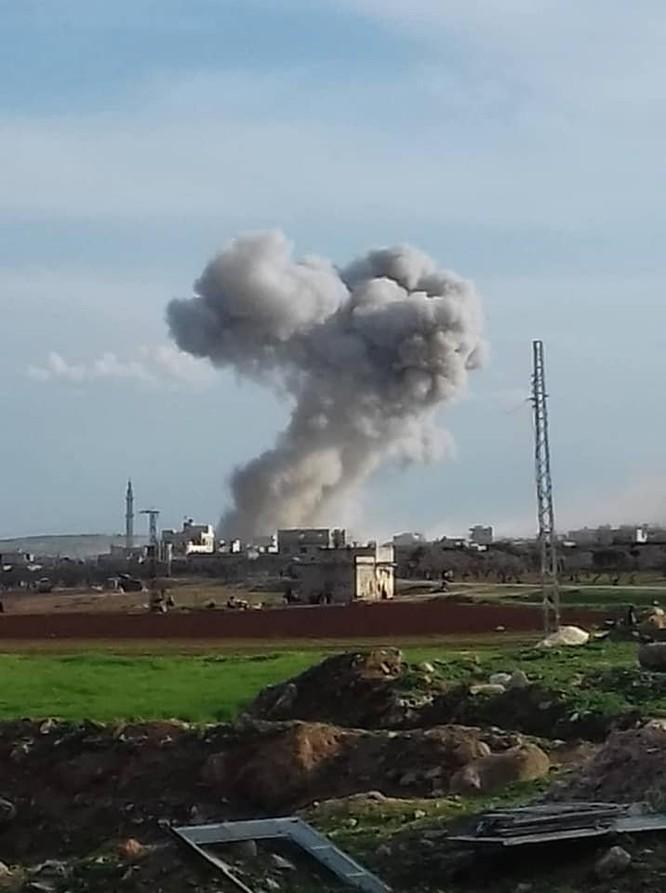 Không quân Nga không kích phá hủy kho vũ khí của khủng bố ở Idlib ảnh 2