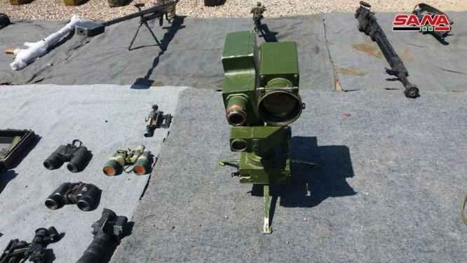 """Syria thu giữ một số lượng lớn vũ khí của """"quân nổi dậy"""" ở al-Quneitra ảnh 1"""