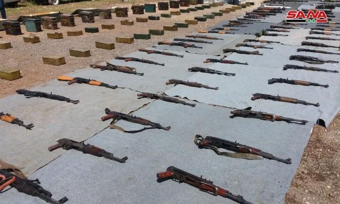 """Syria thu giữ một số lượng lớn vũ khí của """"quân nổi dậy"""" ở al-Quneitra ảnh 2"""