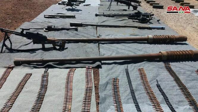 """Syria thu giữ một số lượng lớn vũ khí của """"quân nổi dậy"""" ở al-Quneitra ảnh 3"""